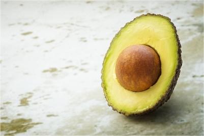 avocado-blur-close-up-142890