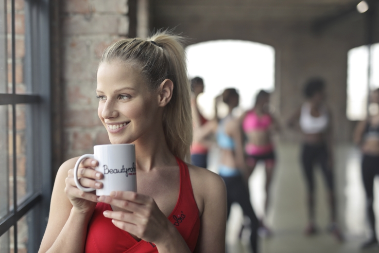 fit girl drinking tea