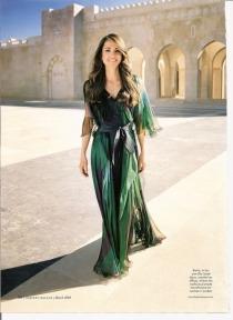 الملكة رانيا العبدالله بفستان متألق
